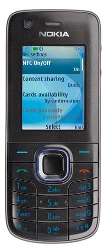 Aplikácia získava bezkontaktne cez NFC údaje o Vašej kreditke