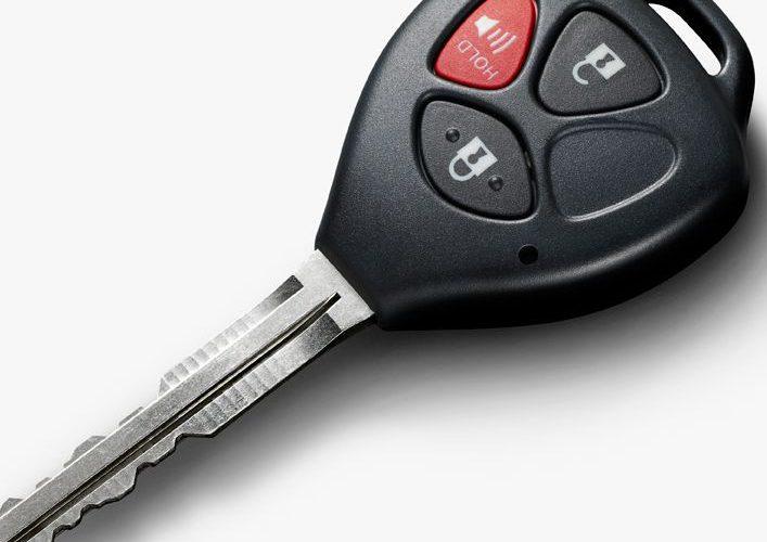 Päť rokov počet kradnutých áut klesal, minulý rok sa však trend otočil. Miznú aj staršie autá a hlavne už aj RANGE ROVER